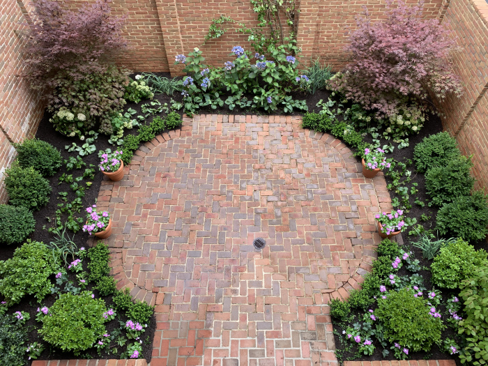 PHOTO-Formal patio garden in Washington, DC